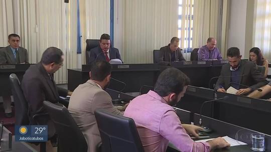 Vereadores se reúnem pela 1ª vez depois de vídeo polêmico de prefeito de Santa Luzia