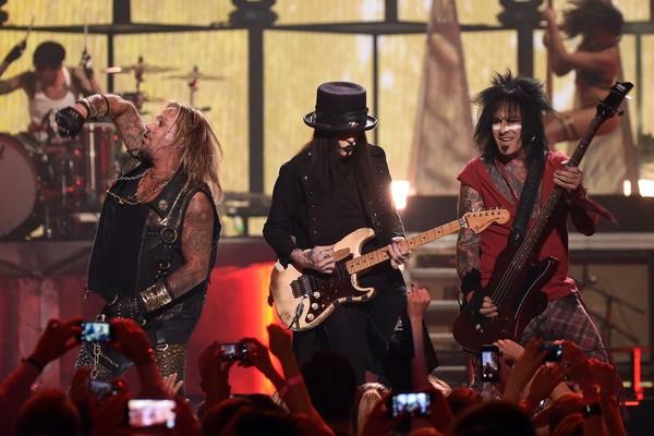 Uma apresentação do Mötley Crüe em 2014 (Foto: Getty Images)