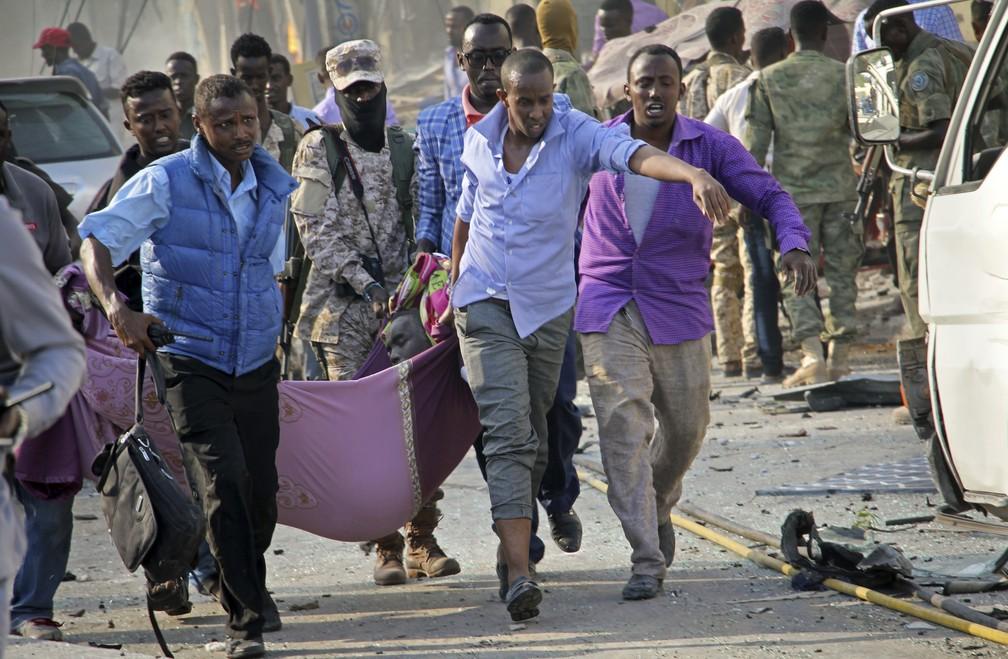 Mais de 230 pessoas morreram em ataque com caminhões-bomba (Foto: Associated  PressAP)