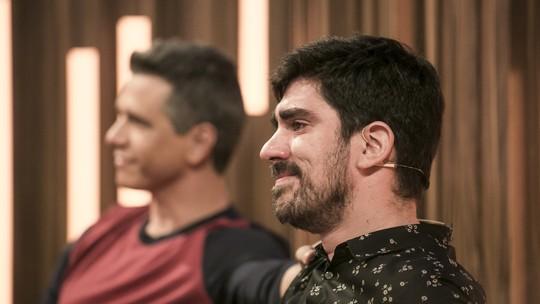 Marcelo Adnet chora com música feita pelo pai: 'Chama o médico e a ambulância'