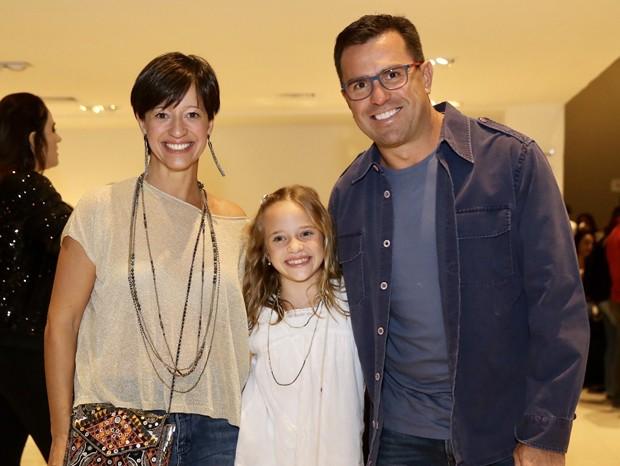Rodrigo Bocardi com a mulher, Cláudia, e a filha, Anne (Foto: Manuela Scarpa/Brazil News)