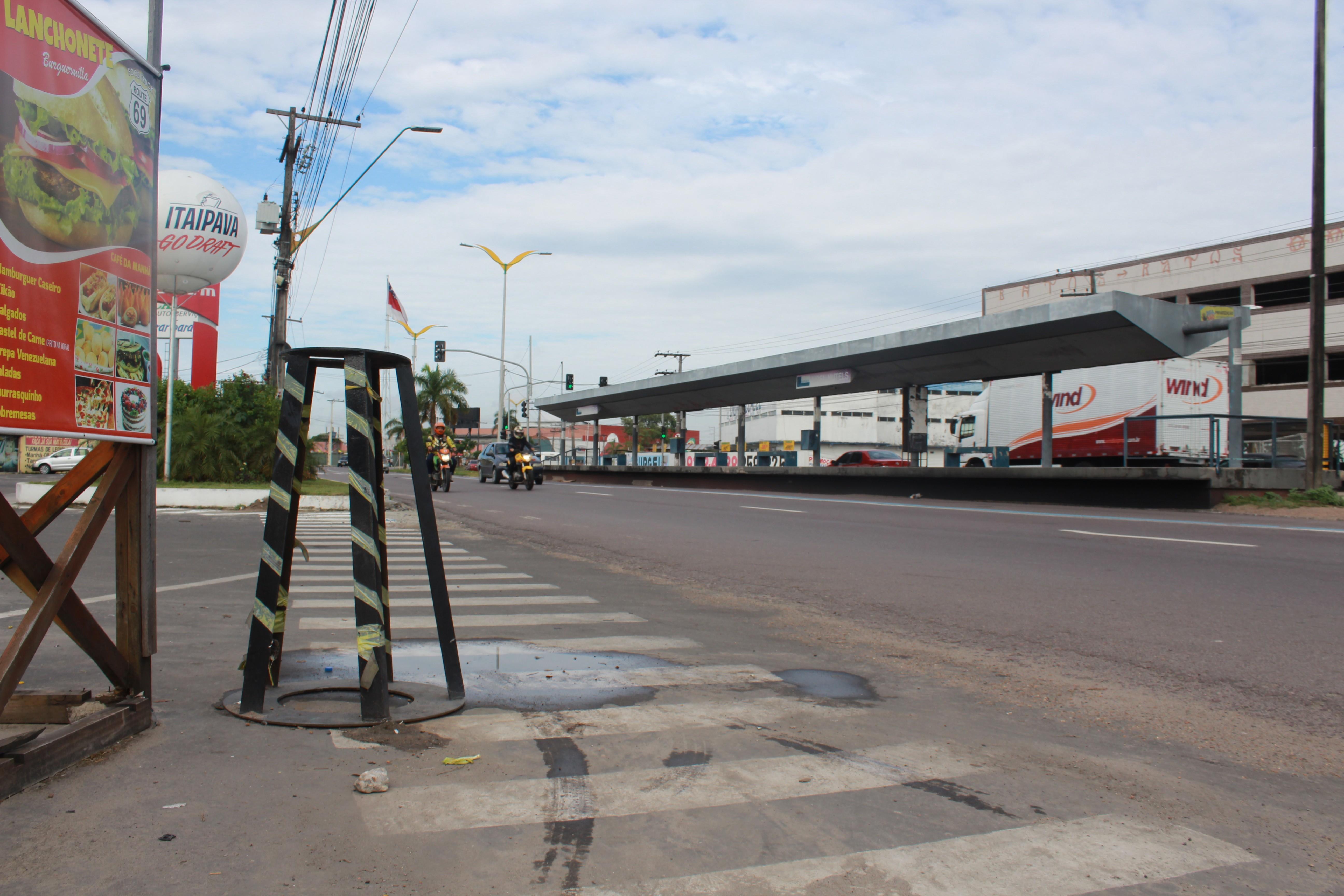 Dupla suspeita de assalto a loja de conveniência é morta em Manaus