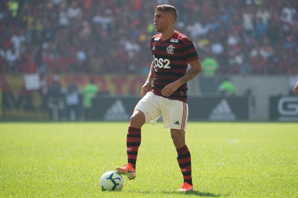 Cuéllar entrou no decorrer da vitória sobre o Goiás, no último domingo — Foto: Alexandre Vidal / Flamengo