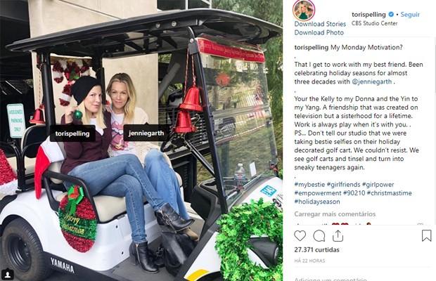 Tori Spelling e Jennie Garth (Foto: Reprodução/Instagram)