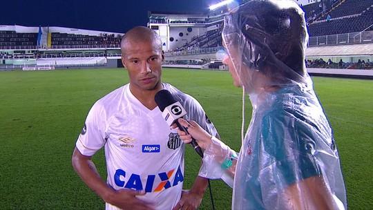 Sánchez diz que estava longe do lance do pênalti e que o importante foi vencer