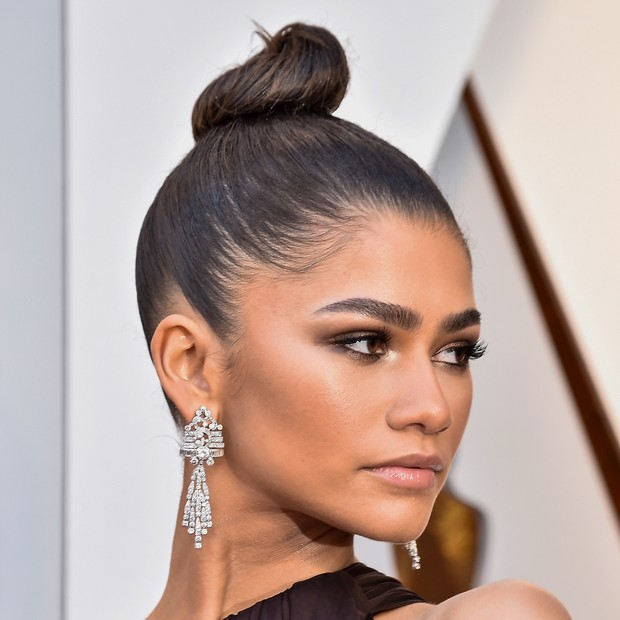 HOLLYWOOD, CA - MARCH 04:  Zendaya attends the 90th Annual Academy Awards at Hollywood & Highland Center on March 4, 2018 in Hollywood, California.  (Photo by Frazer Harrison/Getty Images) (Foto: Getty Images)
