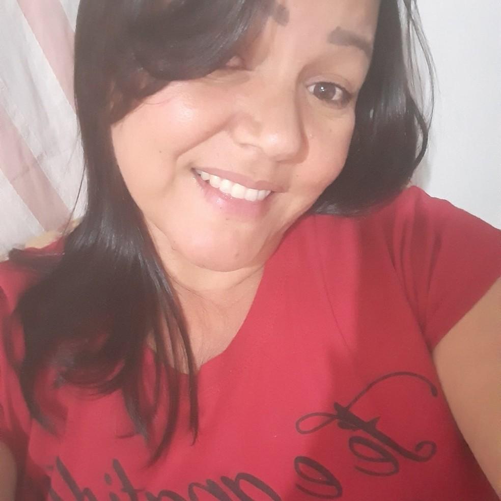 Rosélia de Souza Costa, de 38 anos, estava desaparecida e foi encontrada morta em Rondonópolis — Foto: Facebook/Reprodução