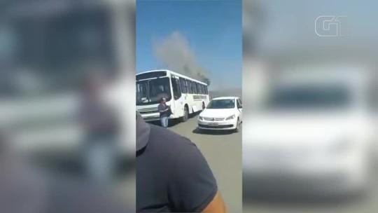 Fumaça em ônibus da UFPI provoca pânico em estudantes no Sul do Piauí; veja vídeo