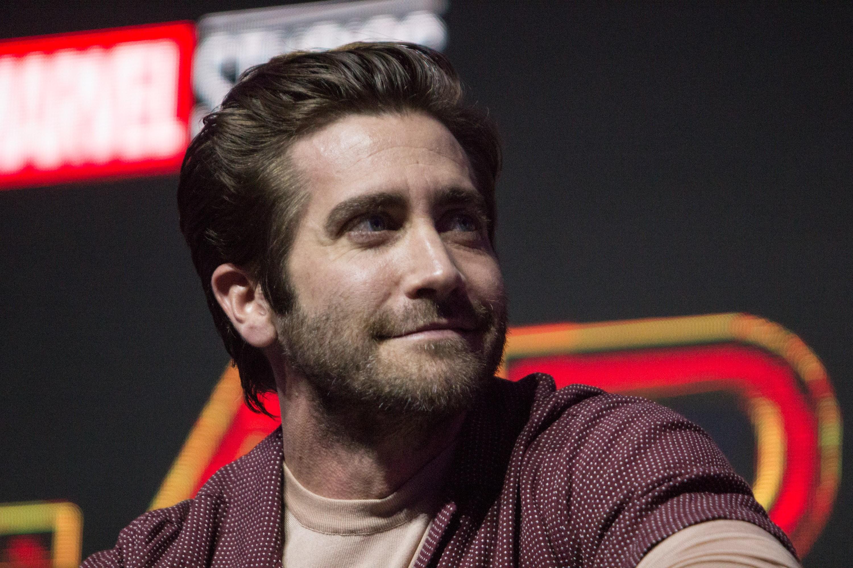 Jake Gyllenhaal diz que estava brincando quando questionou necessidade de tomar banho