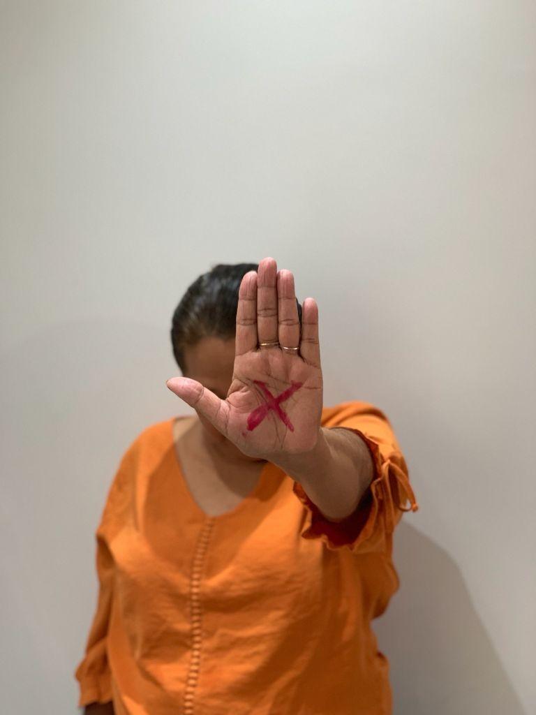 Guarujá institui 'Código Sinal Vermelho', de prevenção à violência contra a mulher