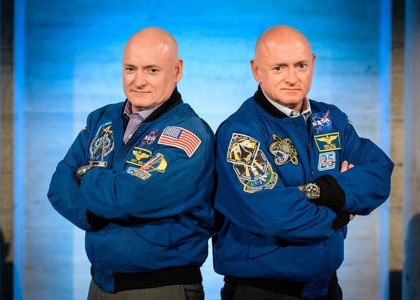 Scott e Mark Kelly, os irmãos gêmeos analisados pela Nasa (Foto: Nasa)