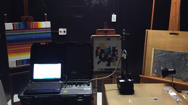 Equipamentos de Física na USP para análises de obras de arte  (Foto: Giovanna Wolf Tadini)