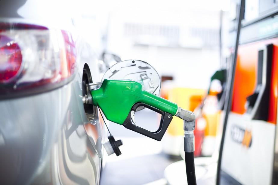 Petrobras confirma aumentos de 4% na gasolina e de 2% no diesel a partir de amanhã