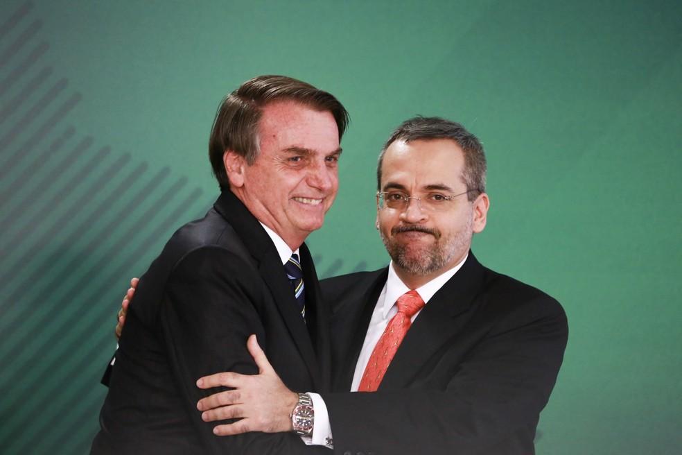 O presidente Jair Bolsonaro durante cerimônia de posse do ministro da Educação, Abraham Weintraub, no Palácio do Planalto — Foto: Fátima Meira/Futura Press/Estadão Conteúdo