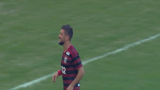 Além da mitada tripla do Flamengo, Fortaleza crava trio na seleção da rodada #10 do Cartola