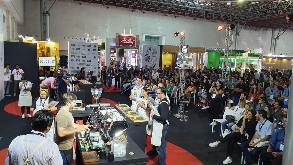 Campeonato Brasileiro de Barista aconteceu durante a Semana Internacional do Café em Minas Gerais.  — Foto: Renata Silva/Embrapa-RO