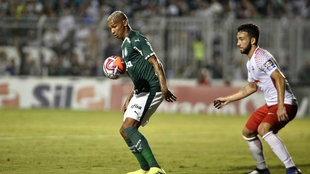 RB Brasil x Palmeiras - Deyverson