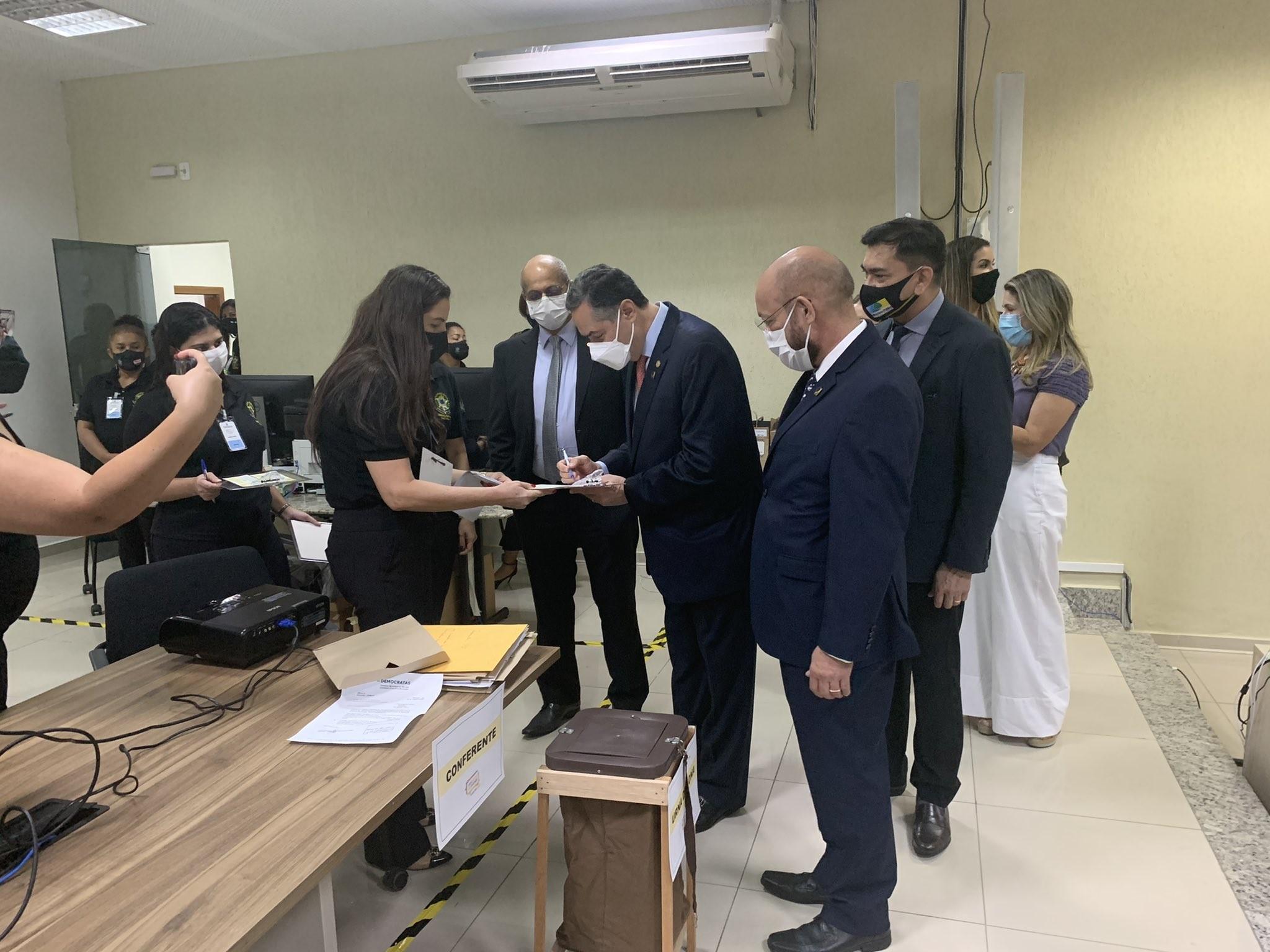 Presidente do TSE visita Macapá em véspera de eleição e diz que prefere não prever se apuração será rápida