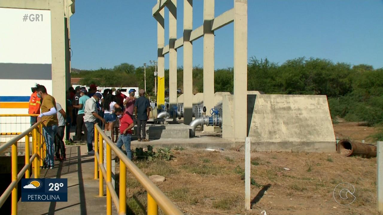 Produtores rurais de Santa Maria da Boa Vista estão comemorando a revitalização da adutora