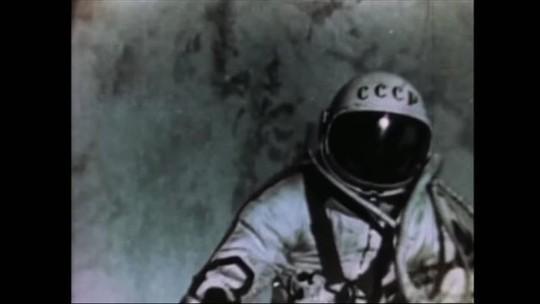 Morre Alexei Leonov, primeiro homem a caminhar no espaço