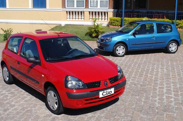 Clio passou por um facelift em 2003 (Foto: Divulgação)