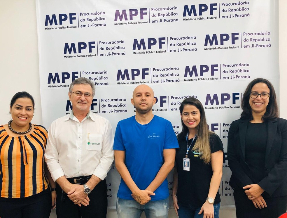 Associação recorreu ao MPF para conseguir filmes legendados — Foto: Facebook/Reprodução