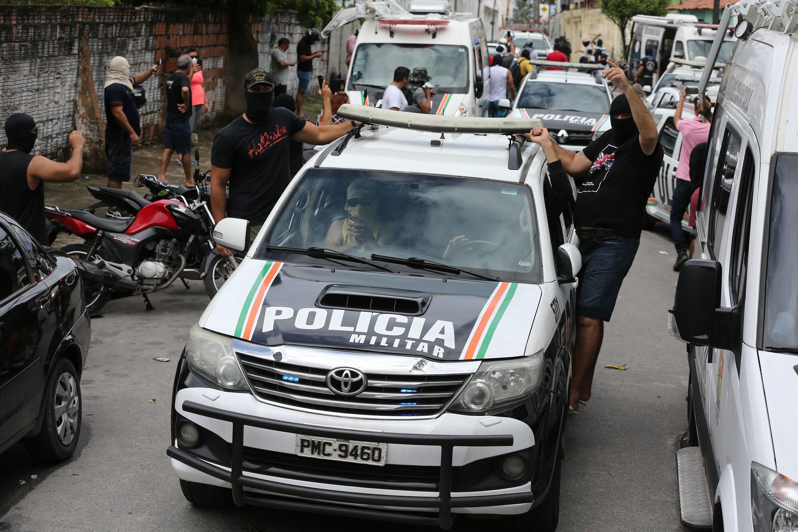 Primeira expulsão de policial militar que participou de motim no Ceará é publicada no Diário Oficial do Estado