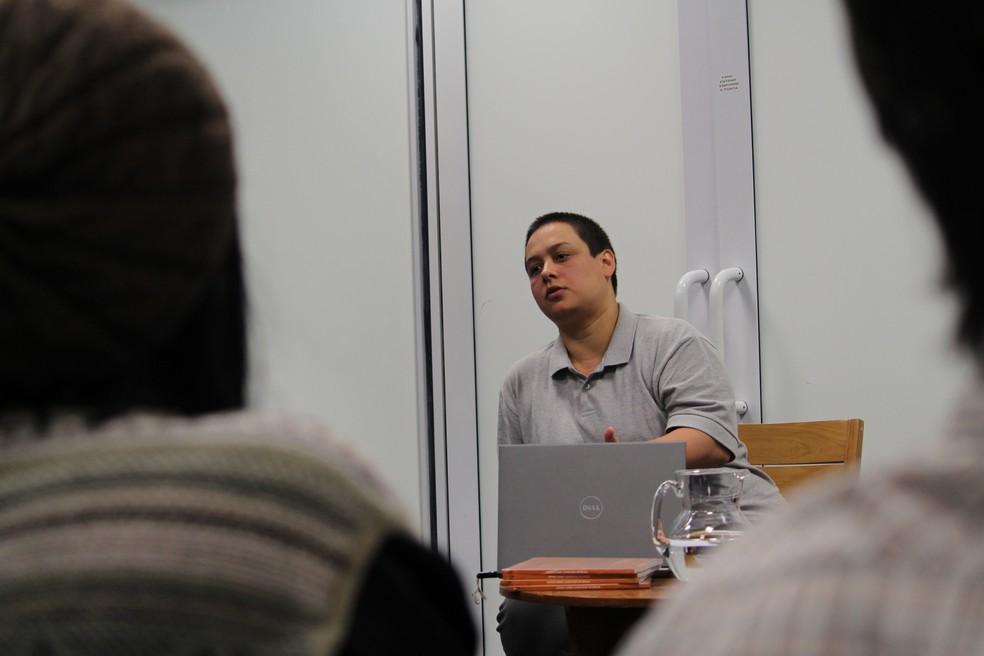 Em Sorocaba (SP), as pesquisadoras citaram a legislação brasileira para explicar crimes contra a mulher — Foto: Carlos Dias/G1