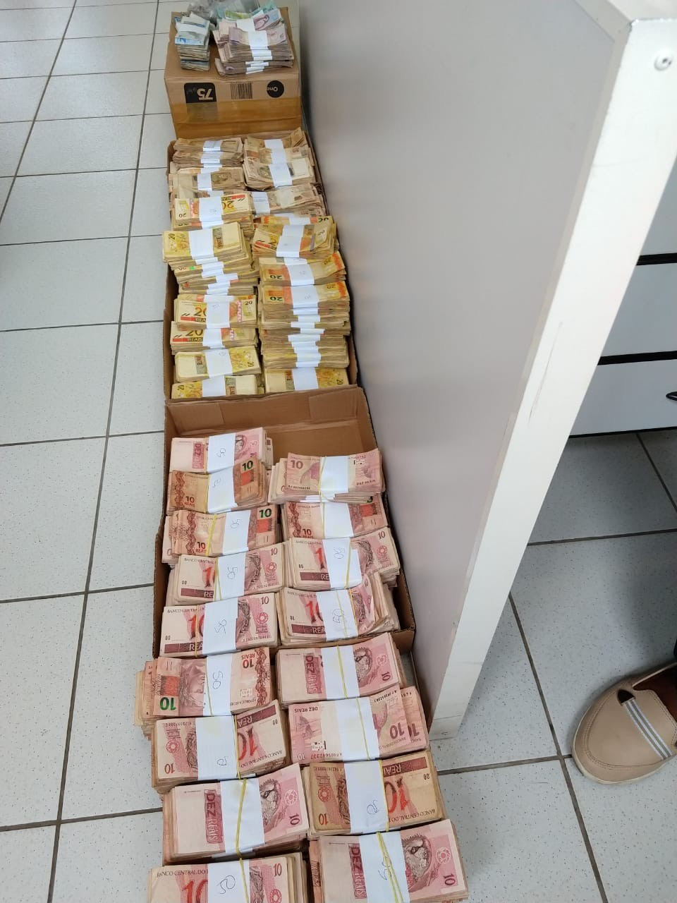 Delegado apontado como chefe de esquema de fraude no Detran de Santa Luzia é condenado a mais de 13 anos de prisão
