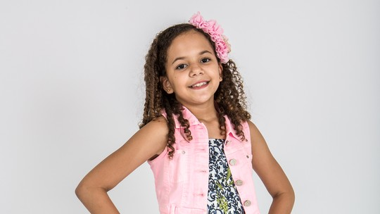 Saiba mais sobre Julia Costa, participante do 'The Voice Kids'