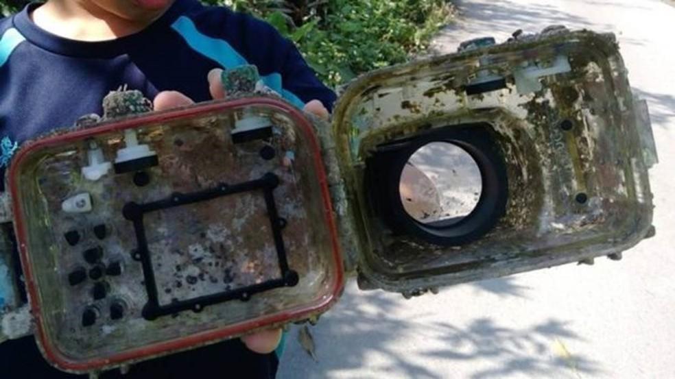 A caixa protetora da câmera certamente cumpriu sua função (Foto: ARQUIVO PESSOAL/ PARK LEE)