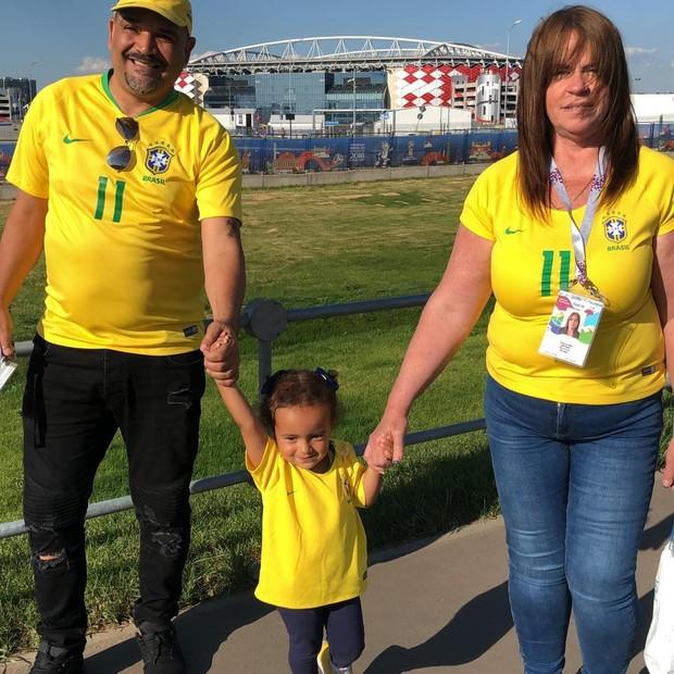 Filha e parentes de Philippe Coutinho (Foto: Reprodução/Instagram)
