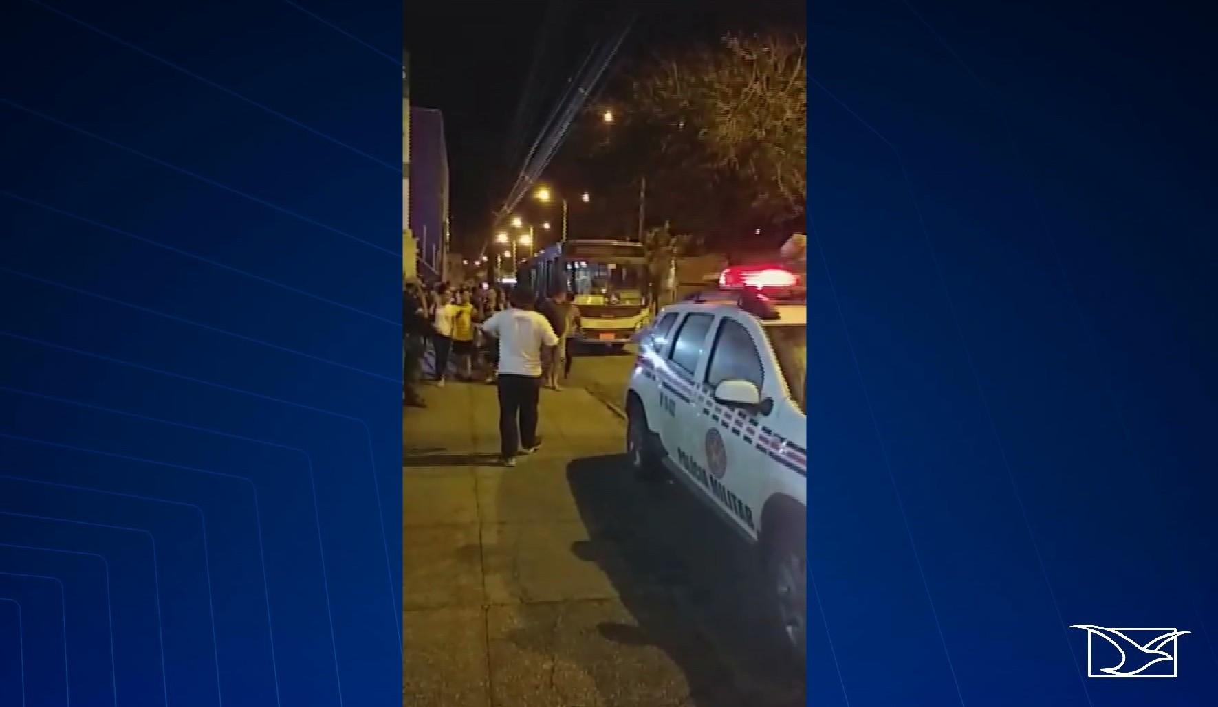 Passageiro é assassinado a tiros dentro de ônibus em São Luís - Noticias