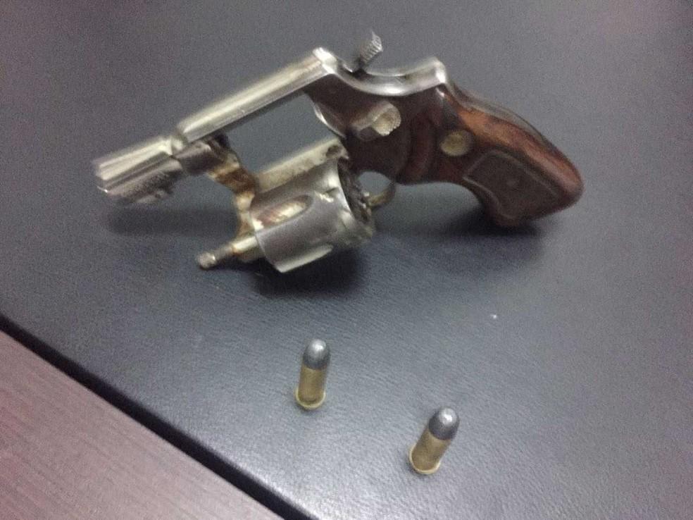 Arma usada no crime  (Foto: SSP/Divulgação)