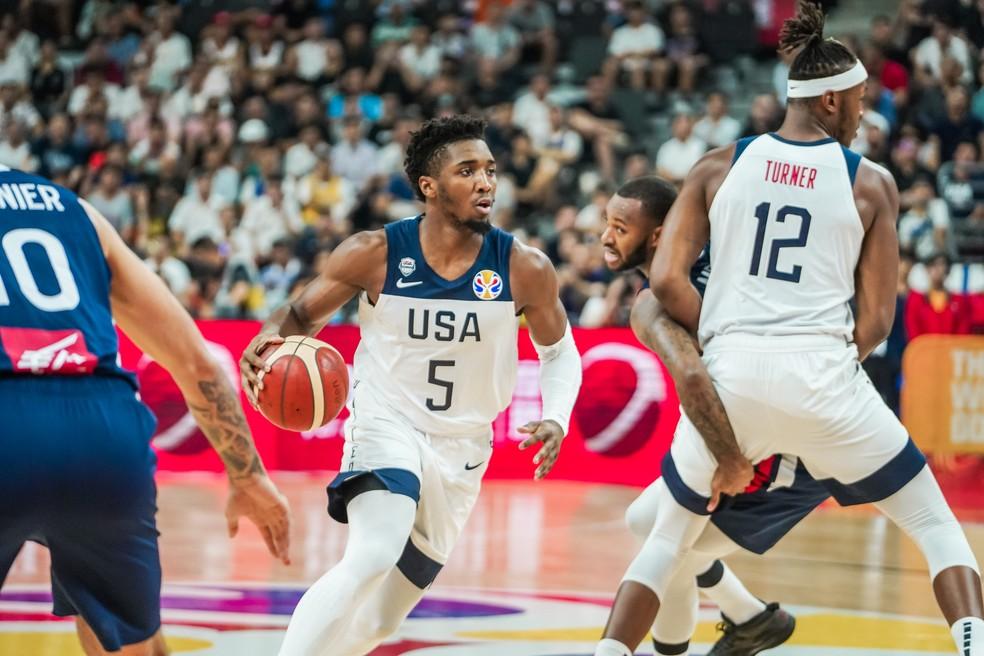Marcus Smart em jogada pelos Estados Unidos contra a França na Copa do Mundo de Basquete â?? Foto: Twitter / USA Basketball