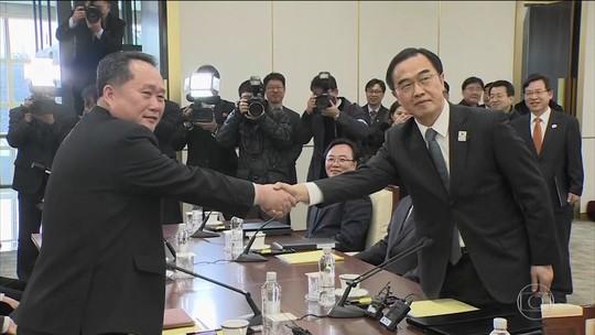 Coreia do Norte e Coreia do Sul têm primeira conversa oficial em dois anos