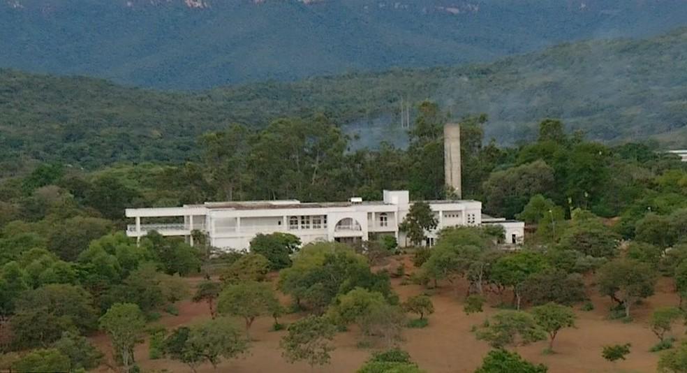 Governador deve morar em mansão que passará por reforma — Foto: Reprodução/TV Anhanguera