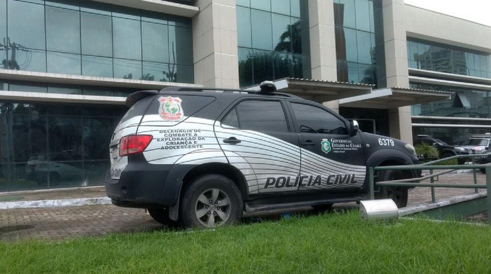 Treze presos serram grades e fogem da Divisão de Homicídios e Proteção à Pessoa em Fortaleza (Foto: Reprodução/TV Verdes Mares)