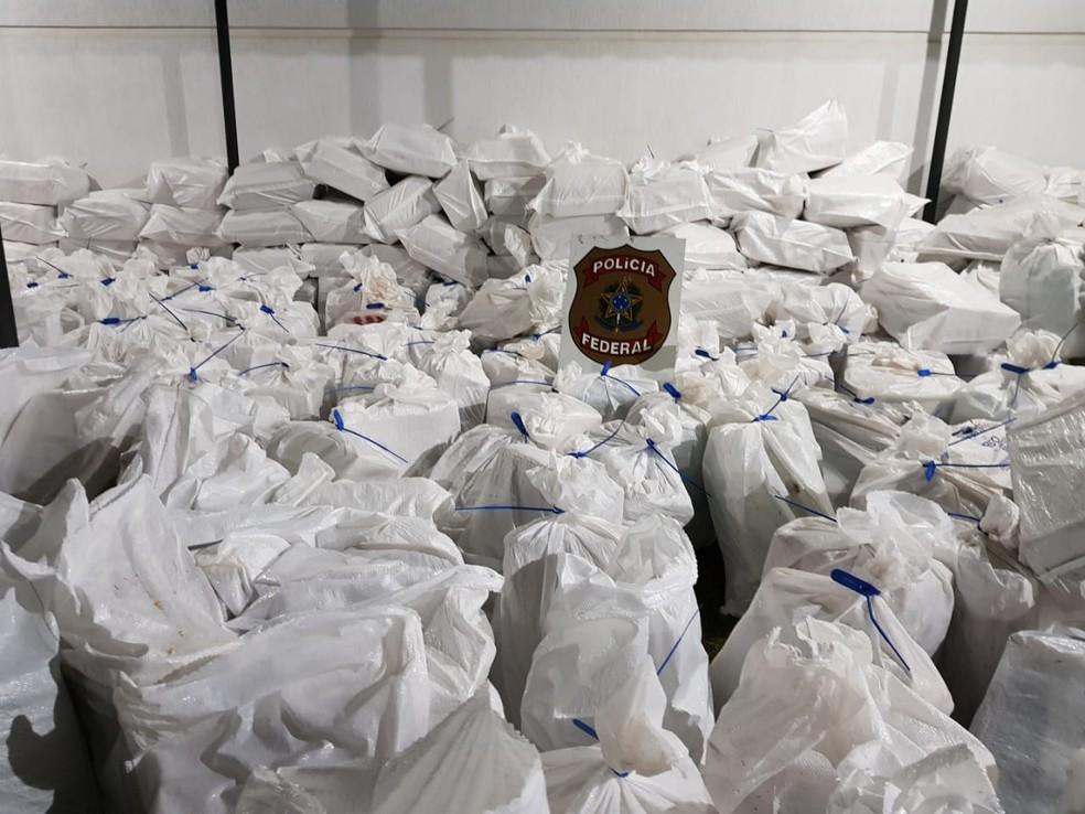 Resultado de imagem para PF apreende no MT 7 toneladas de maconha em carga de milho
