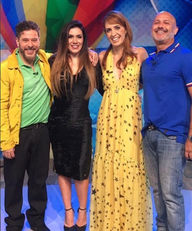 Poliana Abritta com os integrantes do Balão Mágico: Tob, Simony e Mike (Foto: Reprodução)