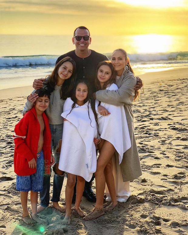 Jennifer Lopez e Alex Rodriguez: União das famílias (Foto: Reprodução / Instagram)