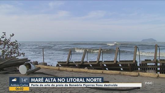 Após estragos da ressaca, prefeitura autoriza obras emergenciais em praia de Balneário Piçarras