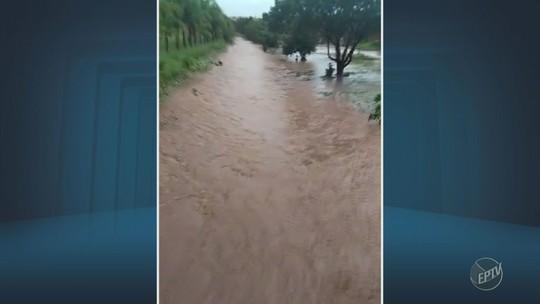 Mogi Guaçu tem pontos de alagamento e carro arrastado durante temporal com granizo