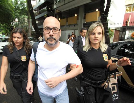 Operação da Polícia Federal para prender Orlando Diniz no Leblon (Foto: Foto:Paulo Nicolella/Agência O Globo)