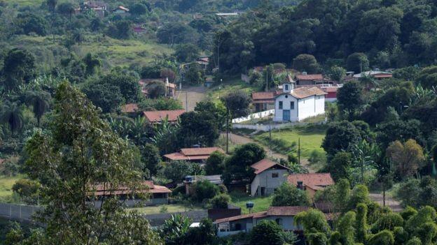 Distritos de Socorro (foto), Piteiras, Tabuleiro e Vila do Gongo foram evacuados em fevereiro (Foto: REUTERS/WASHINGTON ALVES/BBC)