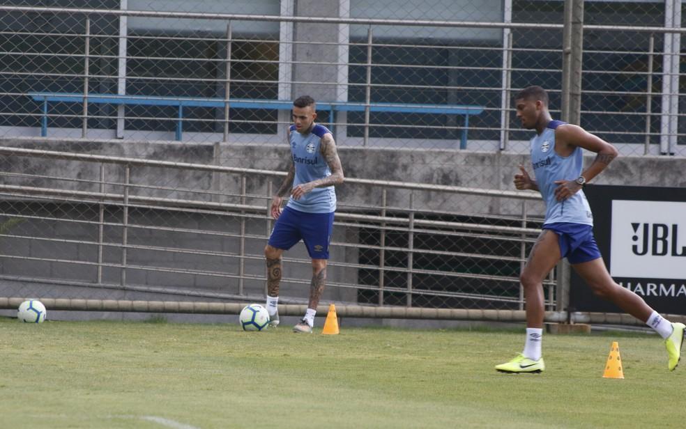 Luan e Jean Pyerre em recuperação no Grêmio — Foto: Eduardo Moura