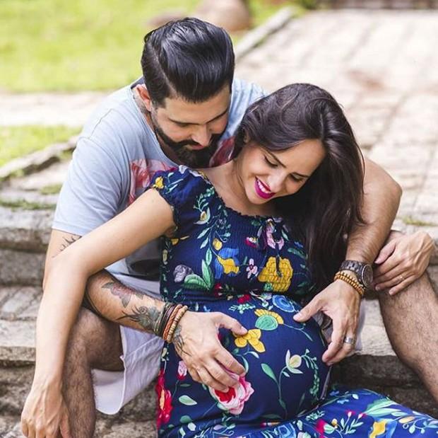 Giovana Povoas, filha de Daniela Mercury, e o companheiro, Giovanne Simão (Foto: Reprodução/Instagram)