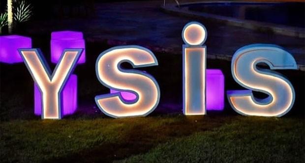 Ysis celebra 4 anos (Foto: Reprodução)