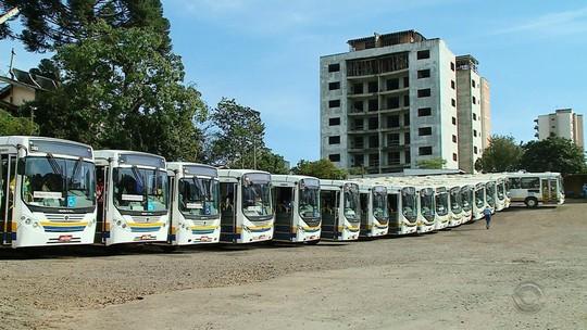 Ônibus e trens funcionam parcialmente na manhã desta sexta no RS