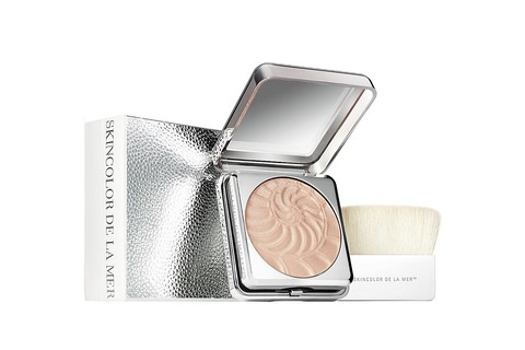 Illuminating Powder, Crème de la Mer (£ 70 na Selfridges)